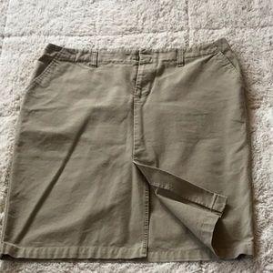 Old Navy Front Kick Pleat Skirt